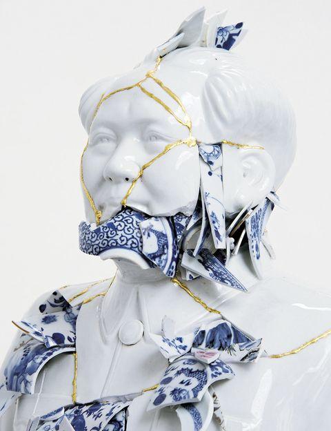 """<p>En la Fundación Bernardaud,<strong> """"My blue China""""</strong> trae obras de 12 artistas de tres continentes -como Bouke de Vries- que crean con porcelana en azul y blanco. Una refexión sobre la globalización y el imperialismo. Limoges. Del 12 de junio al 21 de noviembre.</p>"""