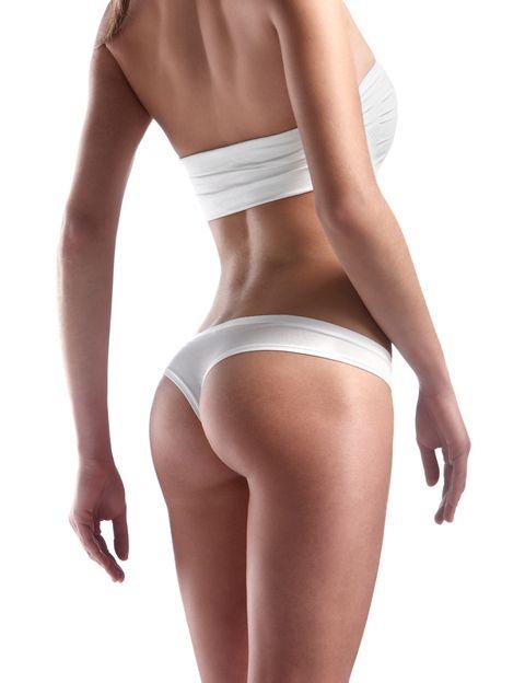 <p><strong>¿Qué es? </strong>Un procedimiento por el cual se <strong>vacían los adipocitos (sin destruirlos)</strong> de una zona donde la grasa está acumulada y es difícil de eliminar. Convierte las cadenas de ácidos grasos pesados en otras más ligeras y el cuerpo las elimina de manera natural.</p><p><strong>¿Duele? </strong>No.</p><p><strong>¿Efectos secundarios? </strong>No se conocen.</p><p><strong>¿Sesiones? </strong>Se recomiendan entre 10-12 sesiones repartidas en 3 ó 4/semana durante dos semanas. Cada sesión dura una hora.</p><p><strong>¿Precio? </strong>Desde 300 €/sesión.</p>
