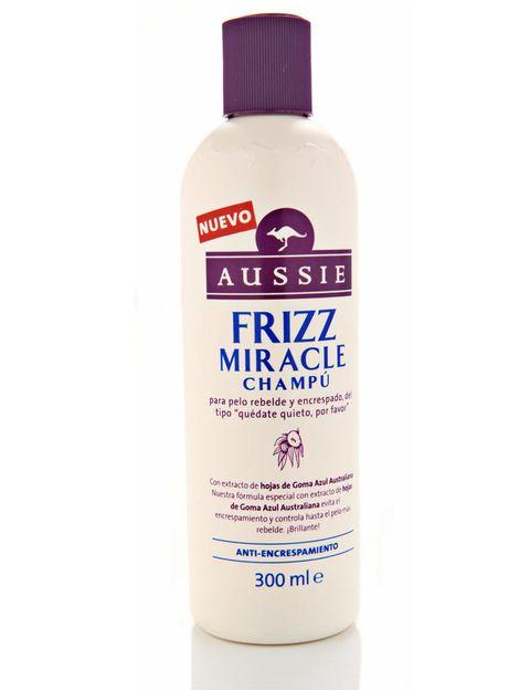 <p>Champú 'Frizz Miracle' (5,99 €), de <strong>Aussie</strong>. Contra el encrespamiento.</p>