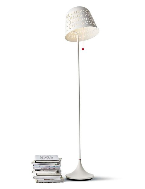 <p>Lámpara de pie Ikea PS 2014, al. 161 cm, en Ikea, 29,99 €. </p>