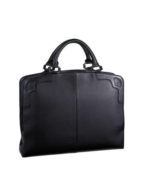 <p>Cartera negra de piel de becerro graneada <strong>de Cartier (2.220€)</strong></p>