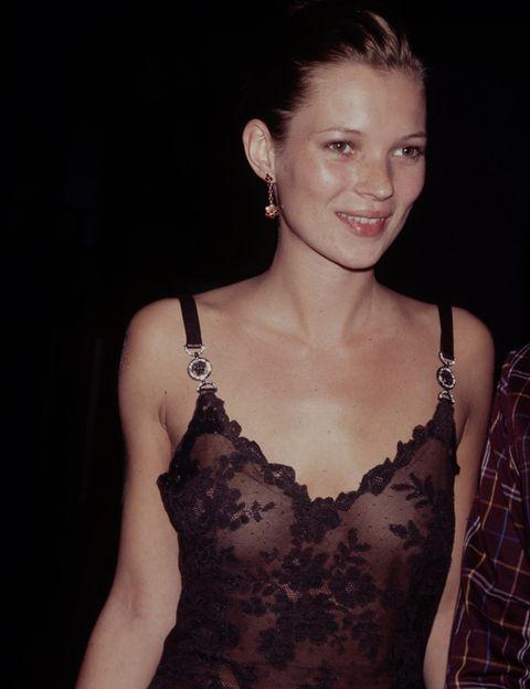 <p>Toda una precursora, Kate ya lucía hace años la tendencia lencera que está arrasando este invierno.&nbsp;</p>