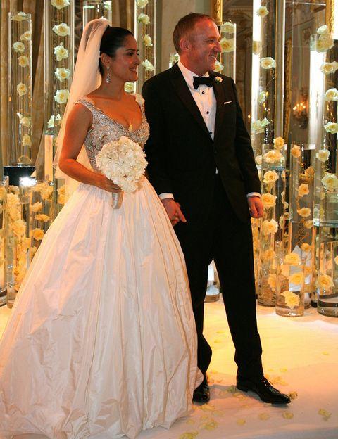 τα πιο διάσημα νυφικά στην ιστορία salma hayek