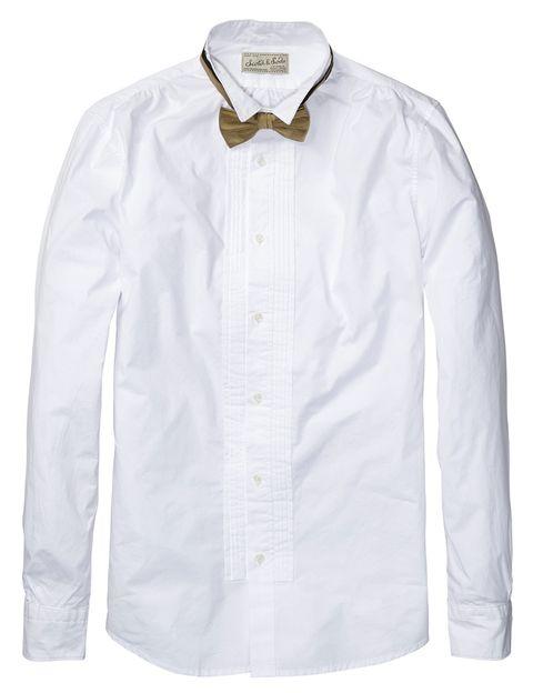 <p>Camisa blanca con pechera de <strong>Scotch &amp; Soda</strong> (89,95€).</p>