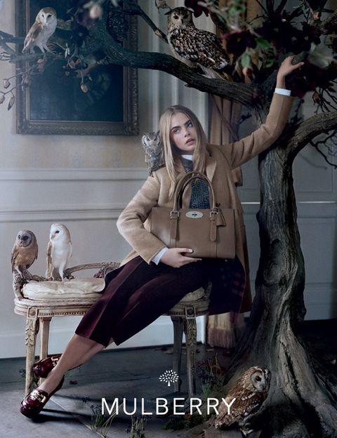 <p>La colección se basa en lujosos materiales como la napa, el cachemir y lana de pelo de camello.</p>