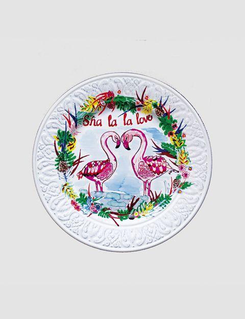 """<p>Sha la la la... ¡Viva el amor! &nbsp;Qué subidón el del pincel del sevillano <strong>Alejandro</strong> <strong>Arribas</strong> que pinta estas piezas únicas para <strong>Byadeale</strong> (<a href=""""https://byadeale.wordpress.com/"""" target=""""_blank"""">www.byadeale.wordpress.com</a>).</p>"""