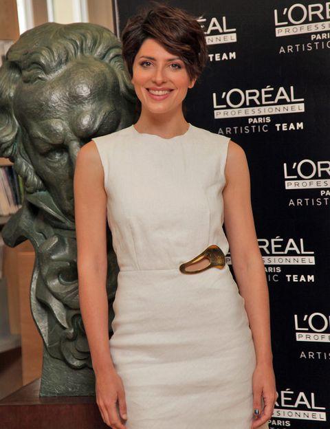 """<p><strong>Bárbara Lennie</strong> acapara dos nominaciones a 'Mejor actriz protagonita por 'Magical Girl' y 'Mejor actriz de reparto' por 'El niño'.&nbsp;</p><p>¿Quieres asistir a los Goya peinada y maquillada como una celebrity? Nosotros nos encargamos de todo. Tú sólo tienes que participar en nuestro&nbsp;<a href=""""http://www.elle.es/concursos/elle-goya-2015"""" target=""""_blank"""">concurso</a>&nbsp;y responder a una pregunta muy sencilla. ¡Suerte!</p>"""