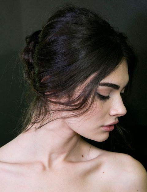 <p>El look romántico de <strong>Dolce &amp; Gabbana</strong>, de aspecto semideshecho, es uno de los grandes protagonistas de la temporada.</p>