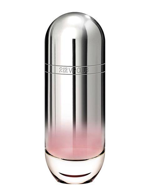 <p>'212 VIP Club Edition' (77 €), de <strong>Carolina Herrera</strong>. Cítrica y floral.</p>