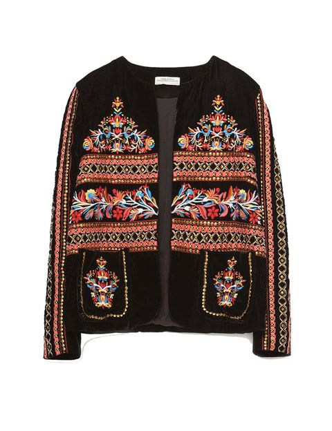 <p>Chaqueta de terciopelo bordada de Zara, 79,95 €.</p>
