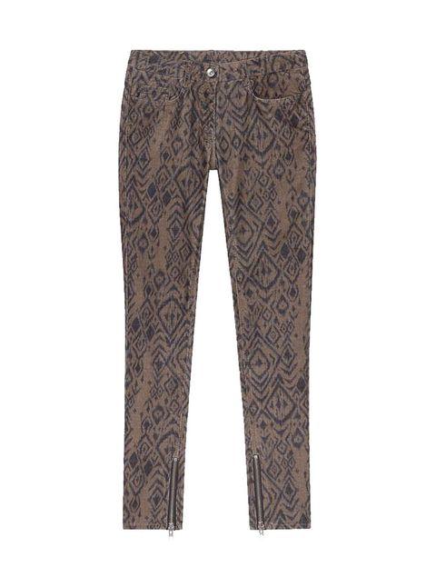 """<p>Los pantalones los tienes en <strong><a href=""""http://www.sandro-paris.com/eboutique-sandro/ah12/femme/pantalons/jean-partisane-olive/produit-fiche,11,4,15,617903"""" target=""""_blank"""">Sandro</a>&nbsp;</strong>(175 euros).</p>"""