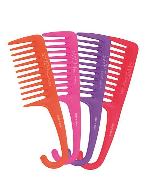<p>'Sweet Hair Comb' (1,90 €), peine especial para rizos de <strong>Beter</strong>.</p>