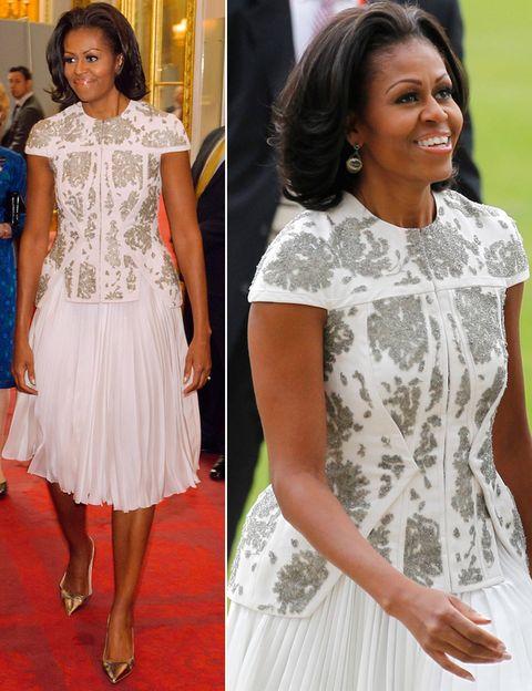 <p>Éste es uno de nuestros modelos favoritos de Michelle Obama. Top armado blanco con detalles plata de <strong>J. Mendel Resort 2013</strong> y falda tableada que acompañó de unos <strong>Manolos </strong>en tono metal.</p>