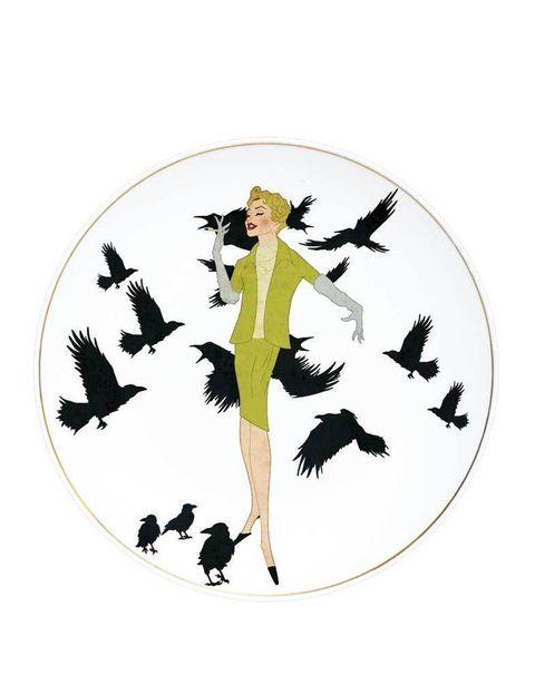 <p>Inspirado en la película homónima de Hitchcock, el plato de cerámica The Birds es un original diseño de Abe the Ape. </p>