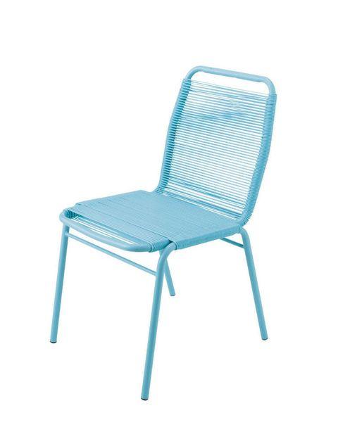 <p>Silla metálica azul turquesa con respaldo y asiento de hilo de resina. ¡Perfecta para asentar un poco de estilo a tu habitación. De <strong>Maisons du Monde</strong> (39 €).</p>