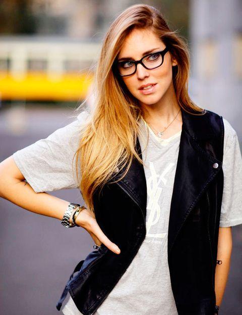 <p>Ni la mismísima Chiara Ferragni&nbsp;se libra de llevar gafas, que le quedan fenomenal, por supuesto.</p>