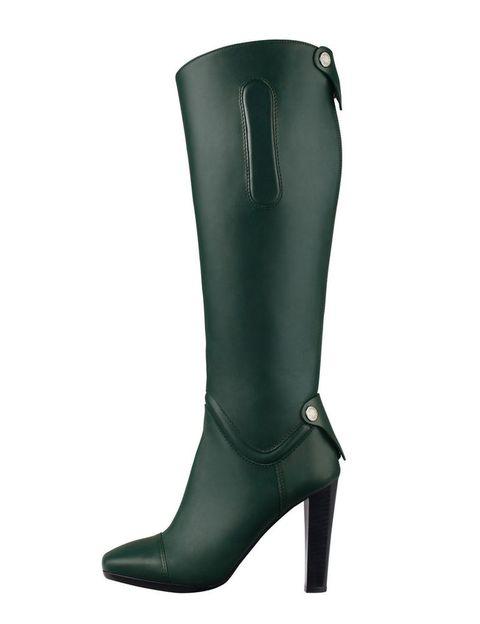 <p>De piel verde en tono verde militar, de <strong>Hermès</strong> (cpv).</p>
