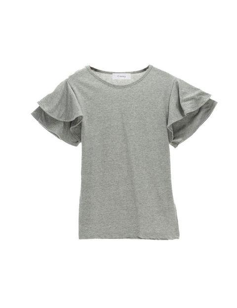<p>Camiseta gris con mangas de volantes <strong>deCoosy</strong>, 24.95 €.</p>