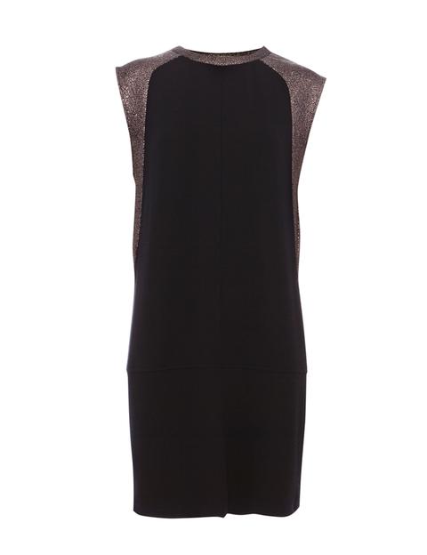 <p>Vestido con detalles de brillo, dePull&Bear, 25,99 €.</p>