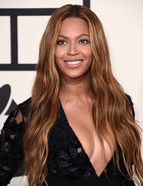 """<p>En una entrevista concedida a <a href=""""http://www.elle.com/beauty/makeup-skin-care/tips/a2454/beauty-insider-beyonce-shares-her-beauty-secrets-449666/"""" target=""""_blank"""">ELLE USA</a>, la cantante Beyoncé aseguraba que su secreto de belleza no era ninguna crema de precio astronómico, sino una bastante económica: Aquaphor de Eucerin.</p>"""
