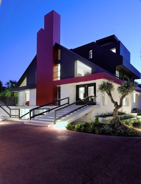 <p>La inmobiliaria de lujo Jaime Valcarce acaba de venderla y, aunque no sabemos el importe de la operación, si conocemos el valor de la casa, según la tasadora Currons: 7.750.000 euros. </p>
