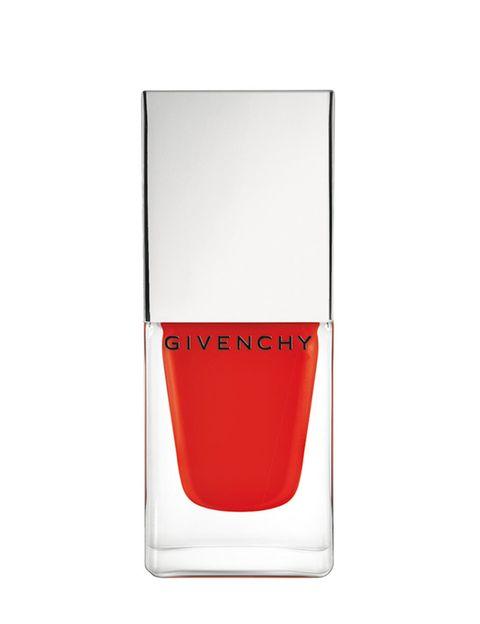<p>'Vernis Croisiere' (21,50 €), de <strong>Givenchy</strong>. En el tono 'Mat Orange'.</p>