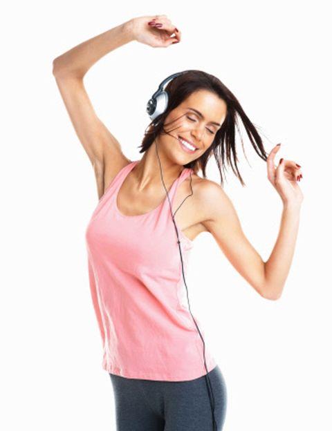 """<p>De la compañía australiana Les Milles, creadores de Body Jam, Sh'Bam se presenta como una <strong>clase de estilos de baile mucho más sencilla y de tan sólo 45</strong> minutos de duración, perfecta para quienes tienen poco tiempo o se agotan con sesiones más largas. En cada clase harás doce tracks con una coreografía diferente y <strong>una música espectacular. Para todo el mundo</strong>. SH'BAM es apto para cualquier niveles de forma física, y sepas o no bailar. Entrenamiento interválico. Este sistema te hará quemar muchas calorías, tonificar todo el cuerpo y mejorar tu forma física de forma suave. Dónde. En clubes <a href=""""http://www.holmesplace.es"""" target=""""_blank"""">Holmes Place</a>.</p><p></p>"""