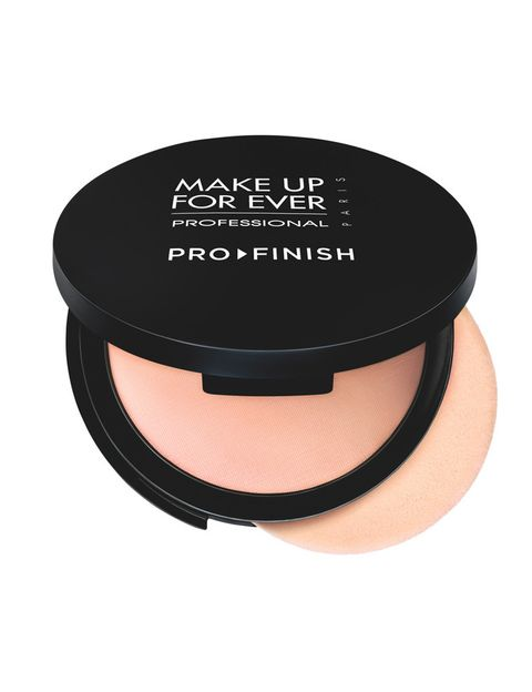 <p>'Pro Finish' (40 €), de <strong>Make Up For Ever</strong>. Maquillaje en polvo compacto con aloe vera y ácido hialurónico para mantener la piel hidratada.</p>