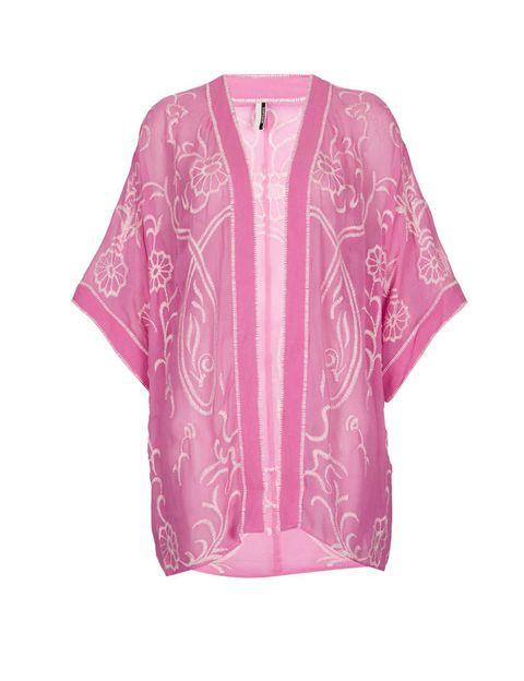 <p>Kimono bordado rosa de&nbsp;Topshop, 85 €.</p>