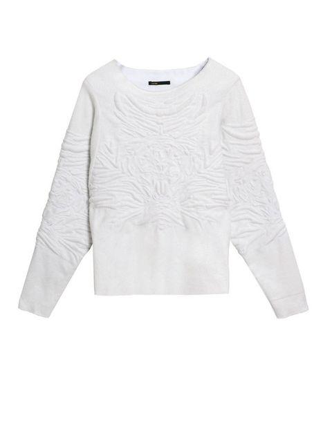 <p>Sudadera blanca con bordados, de <strong>Maje </strong>(175 €).</p>