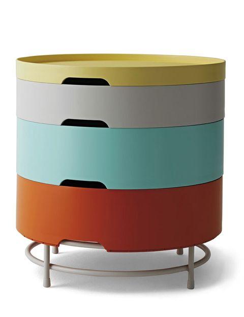 <p>Bandejas apilables multicolor componen la mesa Ikea PS 2014, diámetro 44 cm, de Ikea, 59,99 €.</p>