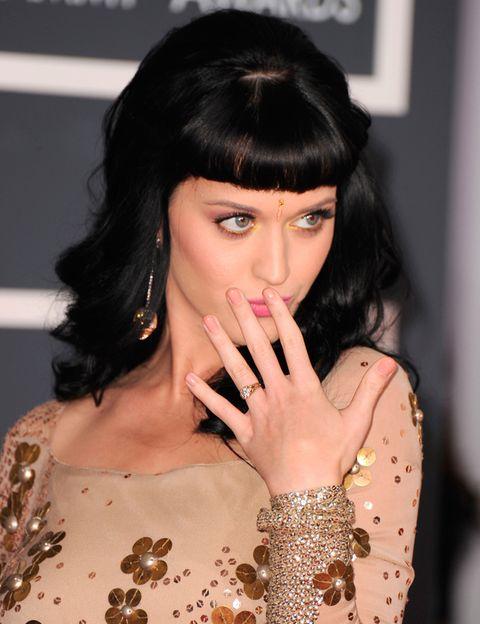<p>La cantante ha optado por esta tendencia. El 'nude' para el día y para la noche. Naturalidad siempre.</p>