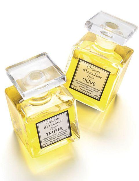 <p>Los frascos de Château d'Estoublon no encierran la última creación de un célebre parfumeur sino un aromático aceite de oliva –con o sin trufa– con denominación de origen Les Baux-de-Provence. Pura sofisticación. </p>