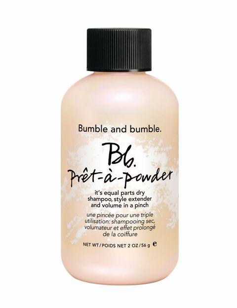 <p><strong>Prêt-à-Powder</strong> de <strong>Bumble & Bumble</strong>. Ultra-fino. Hecho con arcilla y harina de avena. Aporta fijación y volumen extra (30 €).</p>