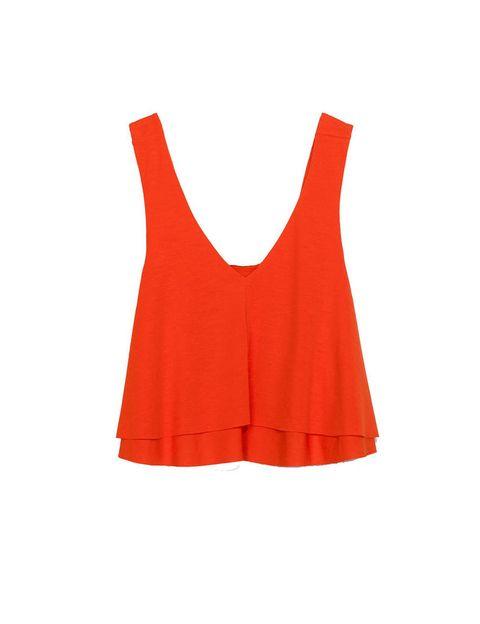 <p>Top de torantes y capas de Zara, 17'95 €.</p>