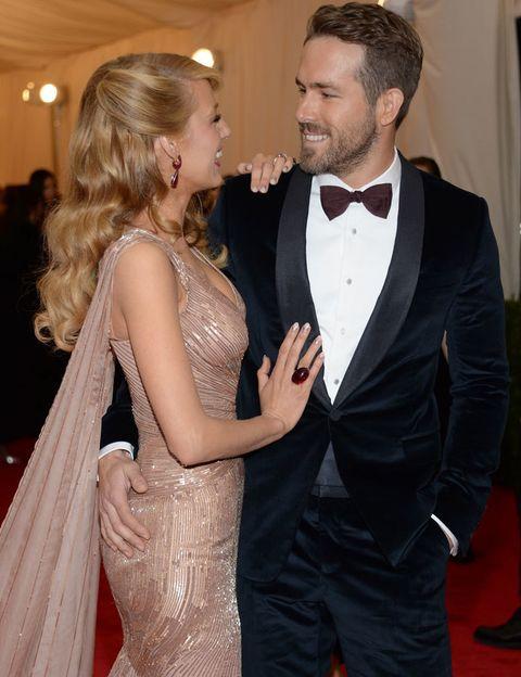 <p>Guapísimos, elegantes y en una de sus pocas apariciones juntos sobre la alfombra roja. <strong>Ryan Reynolds y Blake Lively</strong> captaron todos los flashes a su llegada.</p>