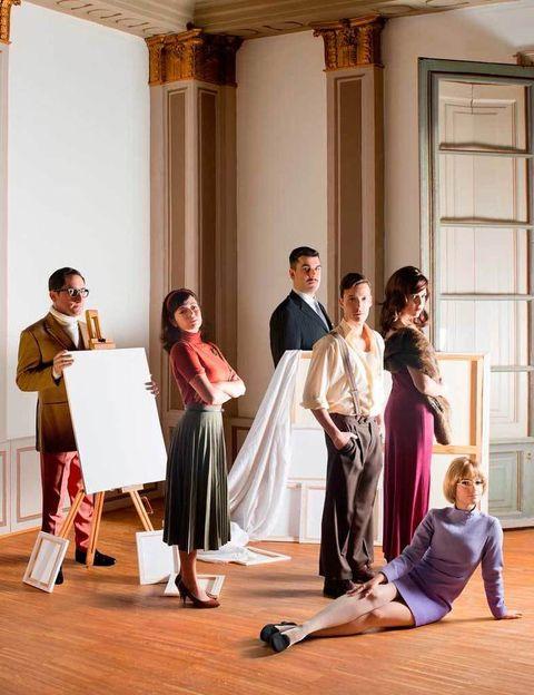 <p>Este jueves 29 de mayo, los Teatros del Canal estrenan <strong>&quot&#x3B;Mierda de artista. El musical&quot&#x3B;,</strong> una comedia inspirada en la vida y obra del polémico artista italiano Piero Manzoni. La obra es una sucesión de situaciones llenas de humor, con triángulos amorosos de por medio, intereses económicos, traiciones y mucha música. Puedes verla de martes a viernes a las 20.30 h, sábados a las 18.30 h y 21.30 h y domingos a las 18.30 h. Pero eso no es todo: este sábado 31 de mayo los actores harán una performance en la explanada de acceso al <strong>Museo Reina Sofía de Madrid</strong> (C/ Santa Isabel, 52), donde ofrecerán a los curiosos las réplicas de las famosas latas de Manzoni. ¿Quieres una? Pues acércate por allí a eso de las 11.30 h.</p>