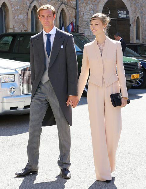 <p>La pareja, además del amor, comparten el gusto por la moda repartida en accesorios 'luxe' y estampados monocromáticos. </p>