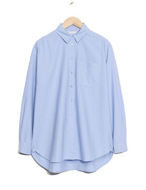 <p>Camisa oversize de &amp;Other Stories, 65 €.</p>