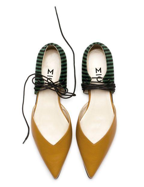 <p>Sigue el camino de Irene Magro y Ana Cardona. Bailarinas bicolor y salones fusionados se reinventan con cordones colocados de forma innovadora.</p>