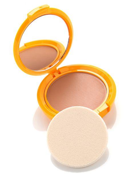 <p>'Sun Secret', maquillaje compacto solar con SPF 50. Resistente al agua. De <strong>Sensilis</strong>.</p><p></p>
