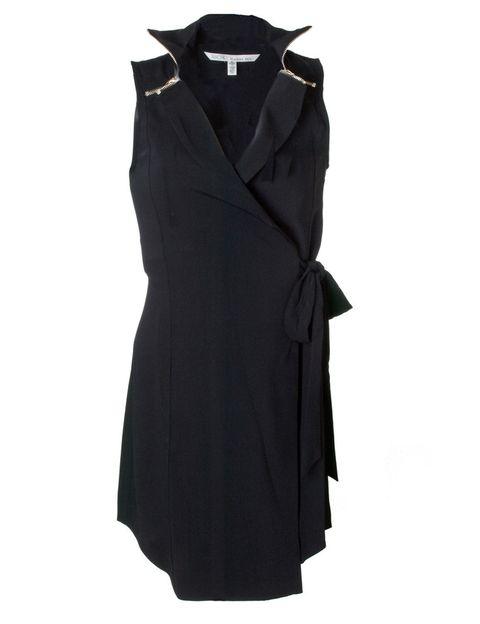 <p>Un vestido para tener de fondo de armario con un detalle de cremallera en los hombros. </p>