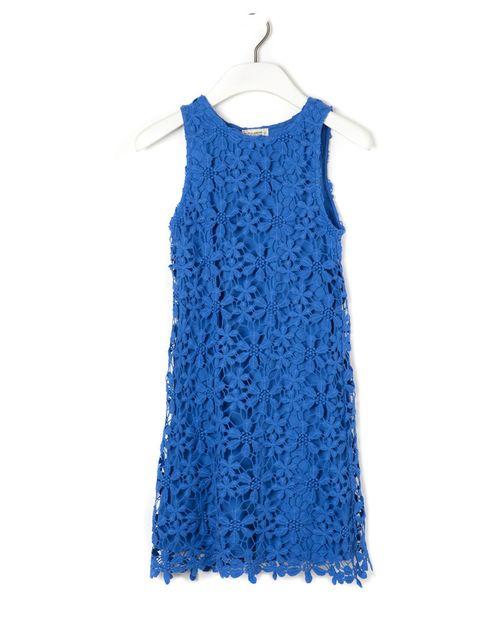 <p>Este azul sienta genial, y con las flores en 3D es un vestido ideal.<strong> Es de&nbsp;Pull&amp;Bear.</strong></p>
