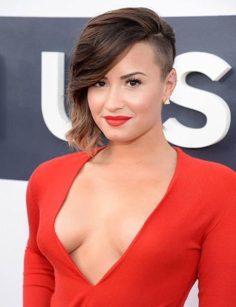 <p> Ela encurtou seu primeiro nome 'Demetria' porque não soava como uma estrela. <strong> Demi Lovato </strong> é originalmente conhecida por ser uma garota do Disney Channel. & nbsp; </p>
