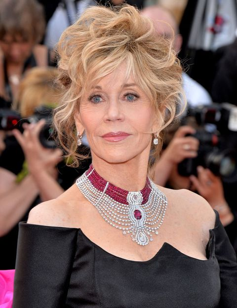 <p> A atriz sabia da extensão de seu nome e decidiu manter o nome do meio e o segundo sobrenome para formar aquele pelo qual sempre foi conhecida: <strong> Jane Fonda </strong>. & nbsp; < / p>