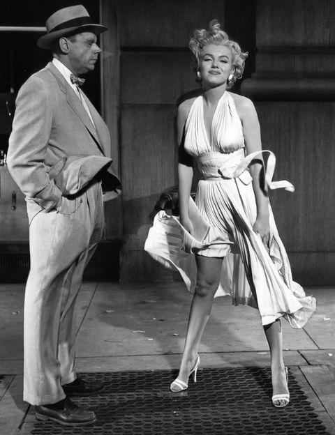 <p>Para las imitadoras y fans de Marilyn Monroe no puede faltar una foto con la falda levantada en la rejilla de aire del metro donde la actriz protagonizó su escena más conocida en <i>La tentación vive arriba</i>. Se encuentra en Lexington Avenue y la calle 52.</p>