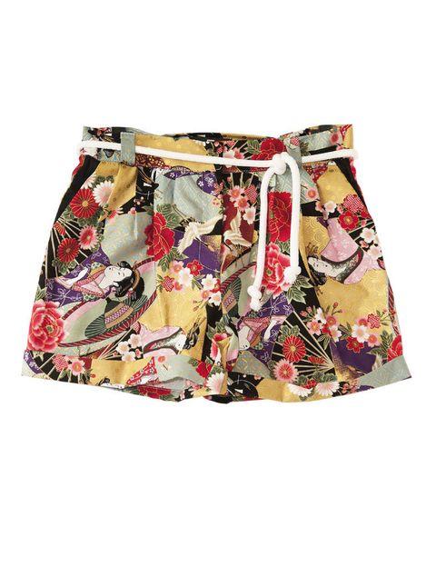 <p>Pantalón corto con dibujos de 'geishas', de <strong>Eugenio Loarce.</strong></p>