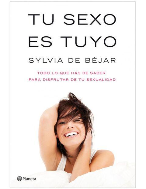 """<p>Nuestro &nbsp;tercer must para potenciar tu capacidad de seducción es el título del libro de Silvia Béjar, <i>""""El sexo es tuyo""""</i>. Como explica la autora, <strong>las mujeres debemos poner en práctica nuestros deseos y vivir una sexualidad plena</strong>. Para lograrlo, hay que evitar que nuestras inseguridades, nuestra educación o nuestros pensamientos nos frenen. <strong>¿Cómo aplicarlo? Disfrutando de ti y de tu amante o tu pareja</strong> sin pensar si tienes mejor o peor cuerpo, si eres &nbsp;buena amante o si estás a la altura de lo que él espera.&nbsp;</p>"""