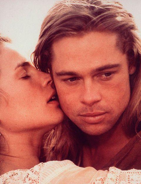 <p>Dejando a un lado que ya nos tenía ganadas con su imagen de adonis cabalgando por las verdes praderas de Montana (con su melena rubia al viento), aquí Brad Pitt conquista con la interpretación de un hombre asilvestrado y herido. No nos engañemos, los atormentados también nos van.</p>