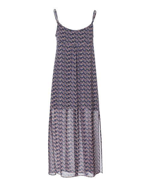 <p>Un vestidpo playero de gasa muy fresquito, con plano de día y tacones o cuñas de noche. De Zara, 22,99 €.</p>